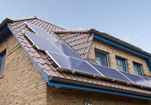 In der Quermontage lässt sich noch mehr Dachfläche erschließen|The landscape orientation allows to exploit even more roof area